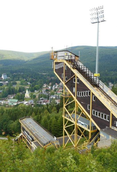 36m adrenalinu při slaňování 13-ti patrové věže
