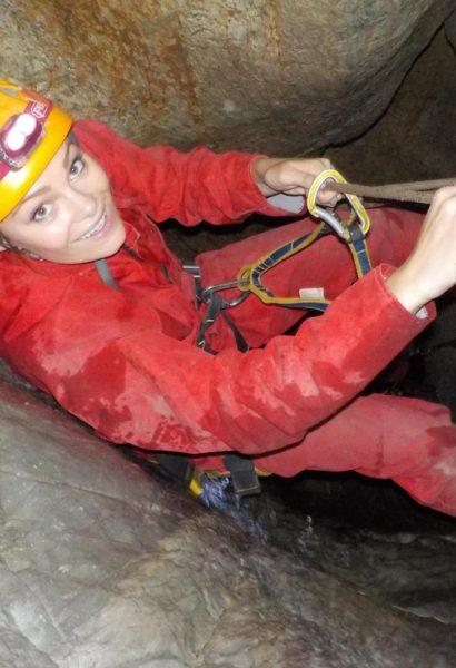 Dobrodružná výprava do podzemí, prolézání jeskyně s ferratou