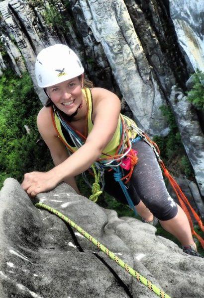 Pískovcové lezení s horským vůdcem na Hrubé skále nebo na Prachově