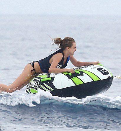 Adrenalin jízda na nafukovacím kruhu za vodním skútrem