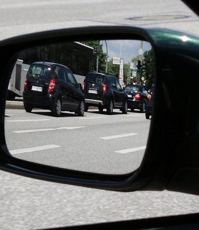 Kurz defenzivní jízdy, jak předvídat za volantem